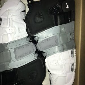 Nike Shoes - nike air more uptempo size 11